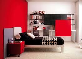 wandgestaltung paneele schlafzimmer in rot gestalten 25 kreative ideen