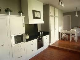cuisine d aujourd hui peinture grise pour chambre 6 une cuisine grise et blanche d233co