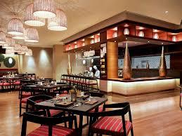 cuisine uip avec table int r hotel in delhi pullman delhi aerocity