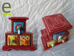 portaspezie in legno portaspezie in legno di mango colorato e decorato sui lati