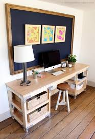 Build Simple Wood Desk by Best 20 Build A Desk Ideas On Pinterest Cheap Office Desks