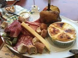 la cuisine au four fromage rôti charcuterie et pomme au four hum picture of la