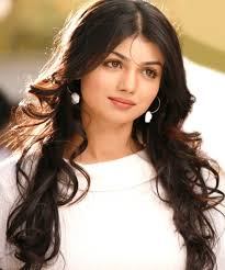 g indian women layered hairstyles for long hair