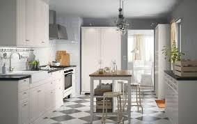 cuisine avec ilot central prix cuisine îlot central 12 photos de cuisinistes côté maison