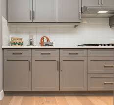 where to buy kitchen cabinets handles home dzine kitchen getting a handle on kitchen hardware