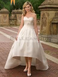 robe mari e courte devant longue derriere de mariée taffetas courte devant longue derrière fleur