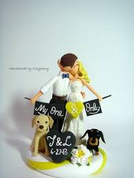 cake topper with dog 17 hilarious wedding cake toppers that will make you laugh