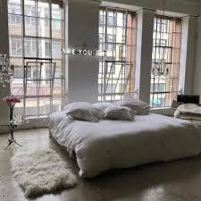 Minimalist Bedroom by Minimalist Bedrooms