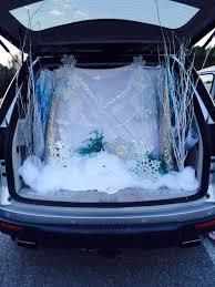 spirit halloween orland park trunk or treat with a frozen theme totally frozen pinterest