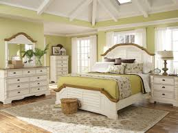 Bedroom Laminate Flooring Ideas Master Bedroom Distressed White Bedroom Furniture Cozy Home