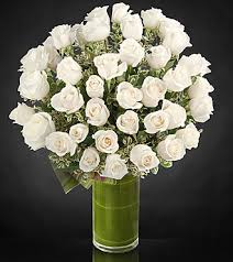 White Roses In A Vase Clarity Luxury Rose Bouquet 24 Inch Premium Long Stemmed Roses