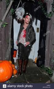 lam halloween party jonathan ross annual halloween party stock photos u0026 jonathan ross