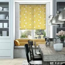 rideaux fenetre cuisine rideau fenetre cuisine store enrouleur jaune et gris habillage