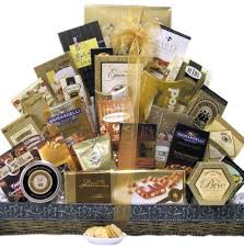 gourmet food baskets best 25 gourmet gift baskets ideas on christmas gift