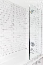 Bathroom Shower Tub Tile Ideas by Best 25 Tub Shower Combo Ideas Only On Pinterest Bathtub Shower