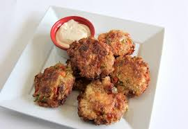 realtree ribbon smoky fried catfish cakes with spicy remoulade sauce realtree