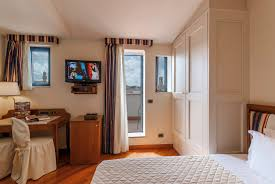 single room with view in florence centre hotel laurus al duomo