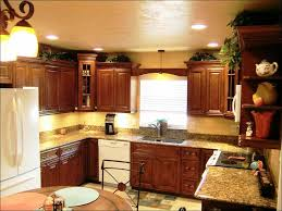 pictures of crown molding on kitchen cabinets best 25 kitchen