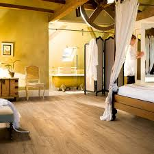 Quick Step Laminate Flooring Cleaning Im1848 Classic Oak Natural Beautiful Laminate Wood U0026 Vinyl Floors