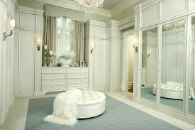 Walk In Closet Design Ideas To Find Solace In Master Bedroom - Bathroom with walk in closet designs