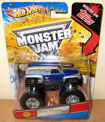 monster jam trucks toys it u0027s out and it u0027s awesome grave digger u0027the legend u0027 1 64