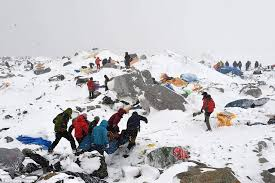 film everest in berlin google s dan fredinburg among 17 killed in mount everest avalanche