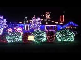 christmas lights at a house in williamsburg virginia set to music