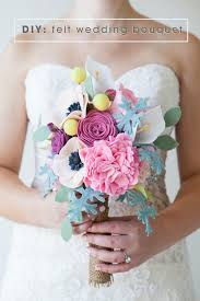 felt flowers this wedding bouquet is made out of felt flowers learn how