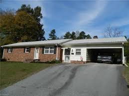Vanity Fair Greensboro Nc 1504 Buxton Road Greensboro Nc 27406 Mls 857339 Estately