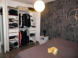 modele tapisserie chambre modele papier peint chambre papier peint chambre adulte chambre