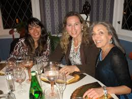 geraldine de berly hosts dinner for central and south american