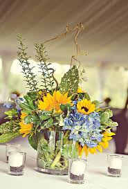 Centerpieces With Sunflowers by Sunflower And Hydrangea Centerpiece Hydrangea Sunflowers And