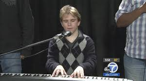 Blind Pianist Blind Autistic Piano Prodigy Inspires Others Abc7 Com
