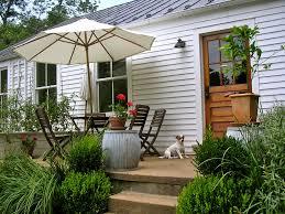 perfect little house summer spots a perfect little patio hatch the design