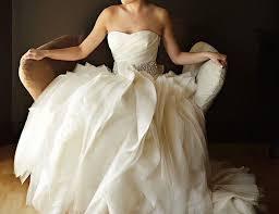 the guide to wedding dress rentals modwedding