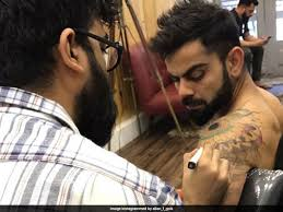 kohli spotted at a parlour in mumbai see pics
