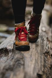 danner mountain light cascade boot hiking style backpacking
