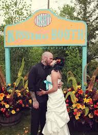 photo booth for weddings 21 booth ideas for your wedding weddingomania