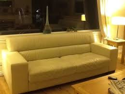 2 Seater Sofa Leather by Best 25 Cream Leather Sofa Ideas On Pinterest Cream Sofa