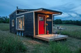 tiny homes cost this luxurious eco friendly tiny house only costs 65k