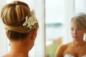 Hochsteckfrisurenen Hochzeit Dutt by 30 Brautfrisuren Mit Orchideen Die Sie Inspirieren Werden