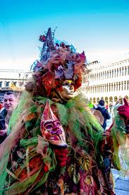 venetian carnival costumes the spectacular costumes of carnival venice