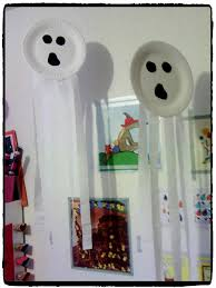 pinterest bricolage enfant fantomes en assiettes en carton bricolage halloween enfant