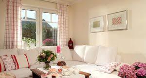 wohnzimmer gestalten wohnzimmer gestalten ideen für den landhausstil sat 1
