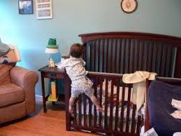 Transitioning Toddler From Crib To Bed Transitioning Your From Cribs To Beds Twiniversity