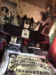 Witch Home Decor Best 20 Gothic Bedroom Ideas On Pinterest Gothic Room Gothic