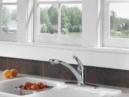 Delta Saxony Kitchen Faucet by 470 Dst Single Handle Pull Out Kitchen Faucet