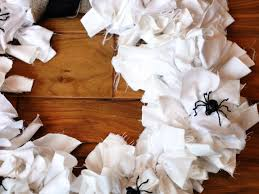 Do It Yourself Halloween Crafts by Diy Halloween Wreath How Tos Diy