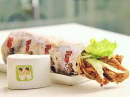 mosa ue cuisine rollacosta enjoy best shawarma rolls fried chicken
