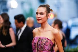 beautiful women hairstyle with sideburns sideburns why they re the latest celeb beauty craze instyle co uk